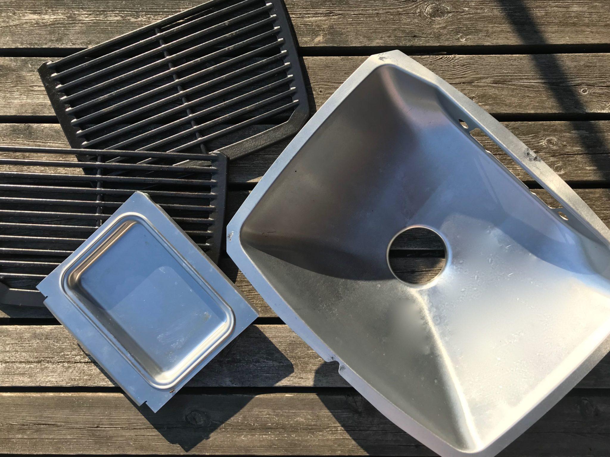 Altaan voi pestä myös tiskikoneessa.