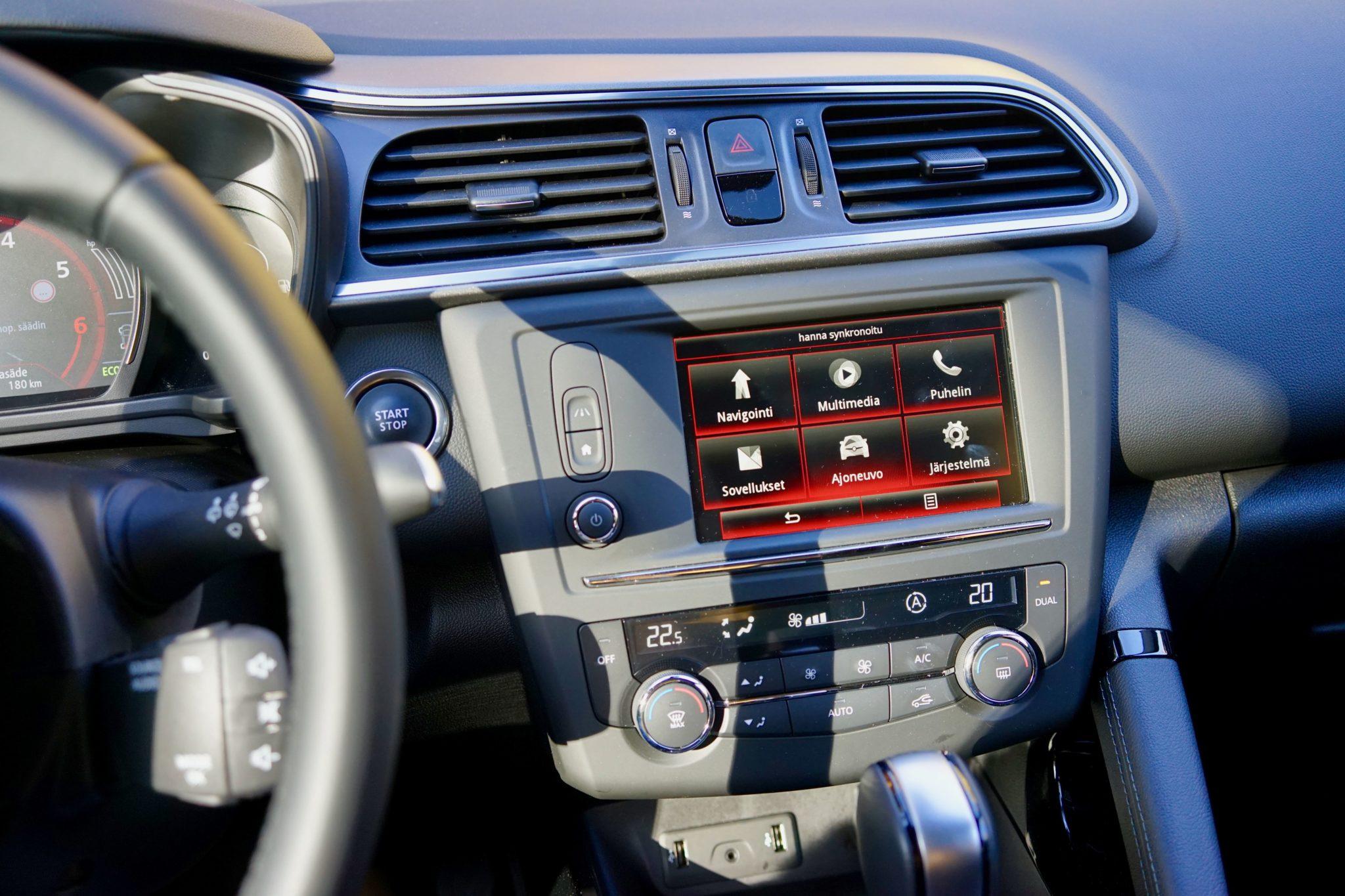 R-Link on Renaultin tietokone autossa