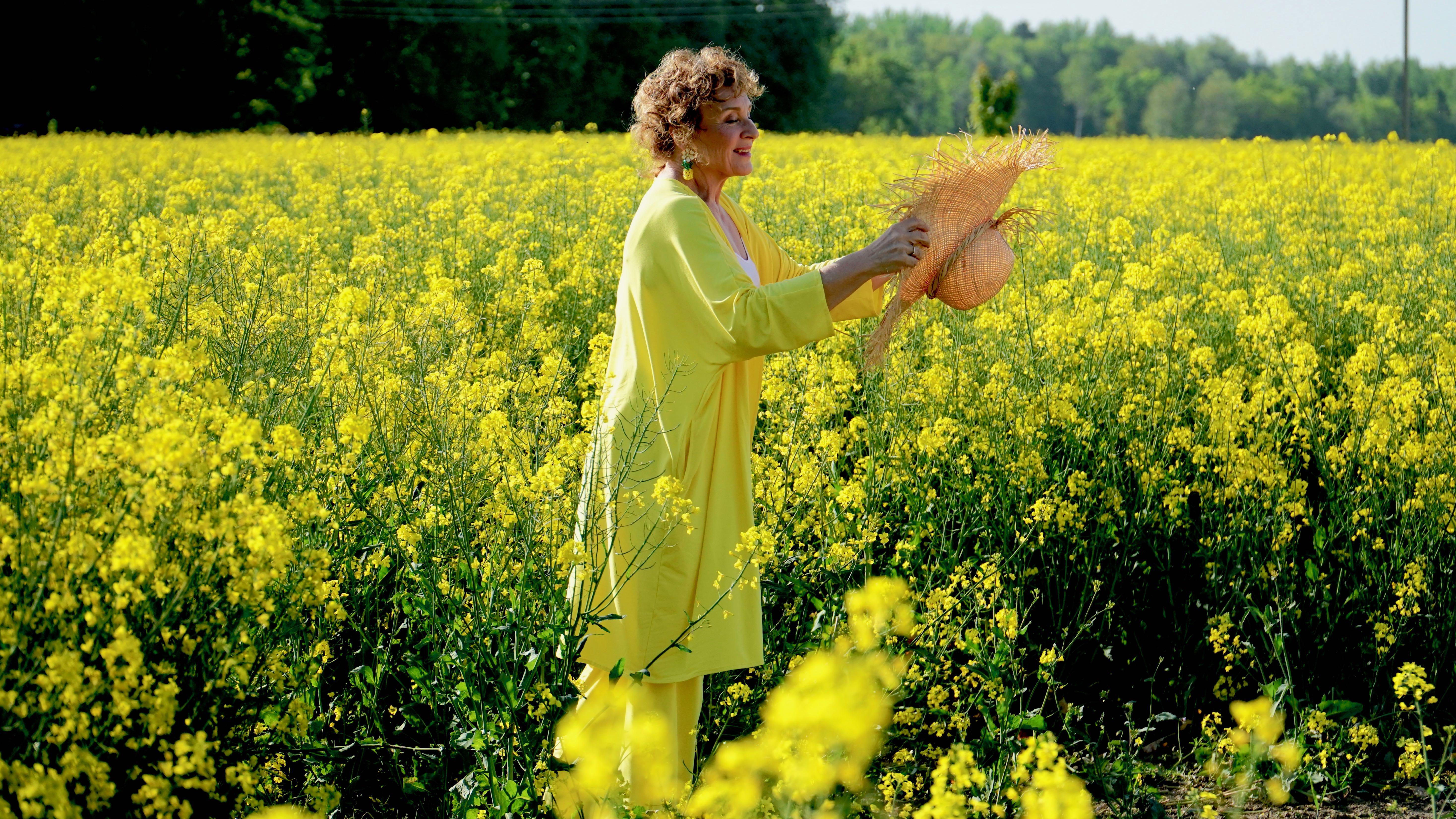 Paras suoja auringon vahingoittavilta UV-säteiltä on vaatteet