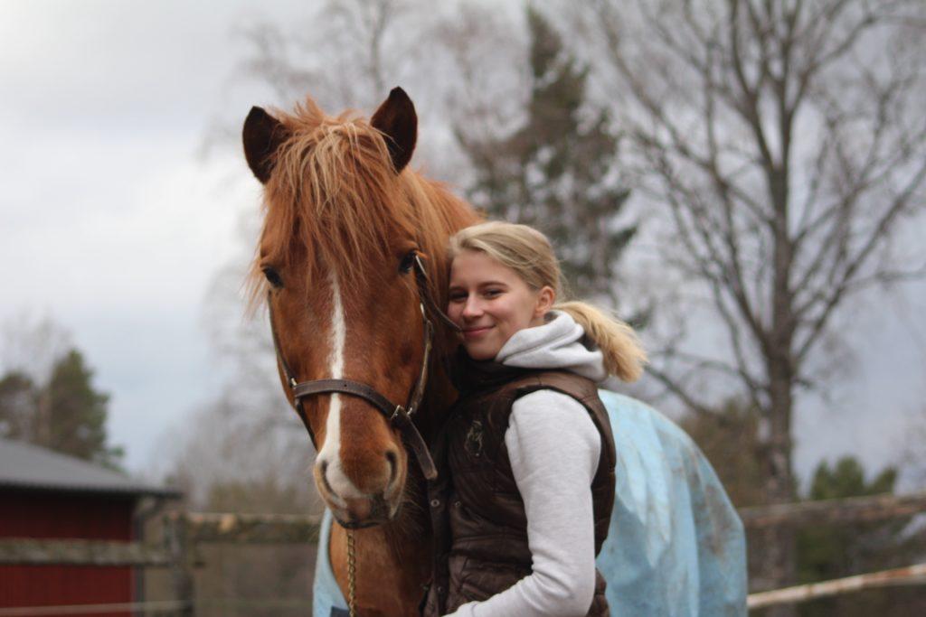 Olen hevosharrastajan lapsi, mutta muuten terve.
