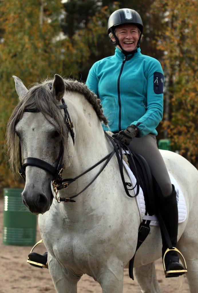 Iloinen ihminen on hevoselle hyväksi.