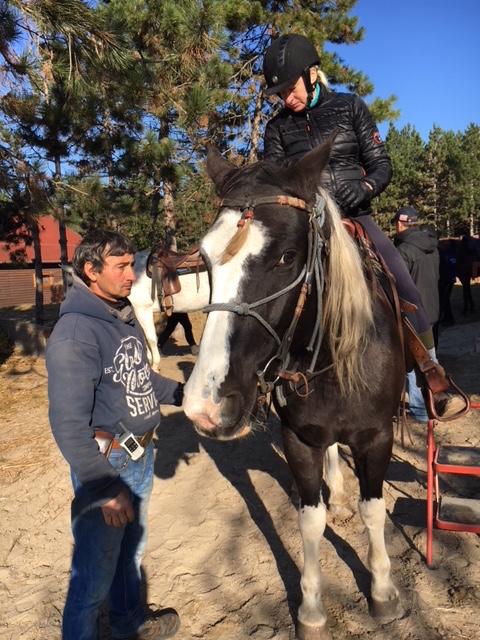 Elvis ja mää ja pieni hevosmies.