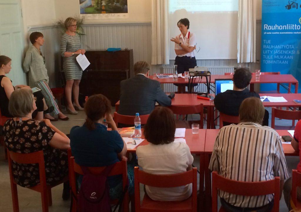 Helsingin Rauhanasemalla keskusteltiin lauantaina 4. päivä heinäkuuta kansalaisjärjestöjen asemasta Euroopassa. Tilaisuudessa puhui mm. Euroopan turvallisuus- ja yhteistyöjärjestön Etyjin vähemmistövaltuutettu Astrid Thors.