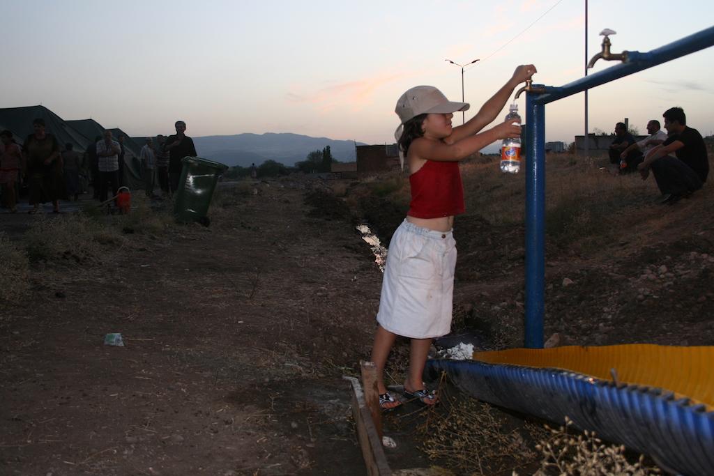 Pakolaisleiri Tbilisin lähistöllä.