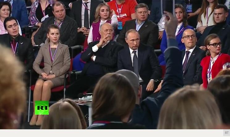 Venäjän presidentti Vladimir Putin Mediafoorumissa Pietarissa 7. päivä huhtikuuta 2016.