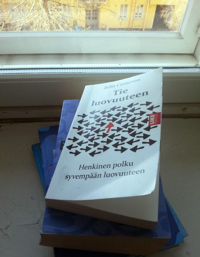 kirjat tie luovuuteen 1