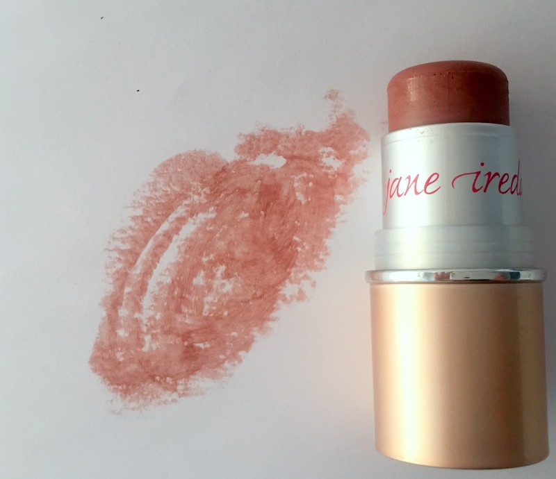 Jane IredaleIn Touch Cream Blush -mineraaliposkipunassa on lempeän pehmeitä sävyjä, 35,20 e.