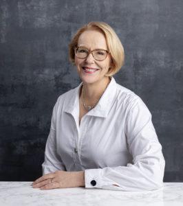 Tiina Isohanni kertoo kevään 2021 ihonhoitotrendeistä.