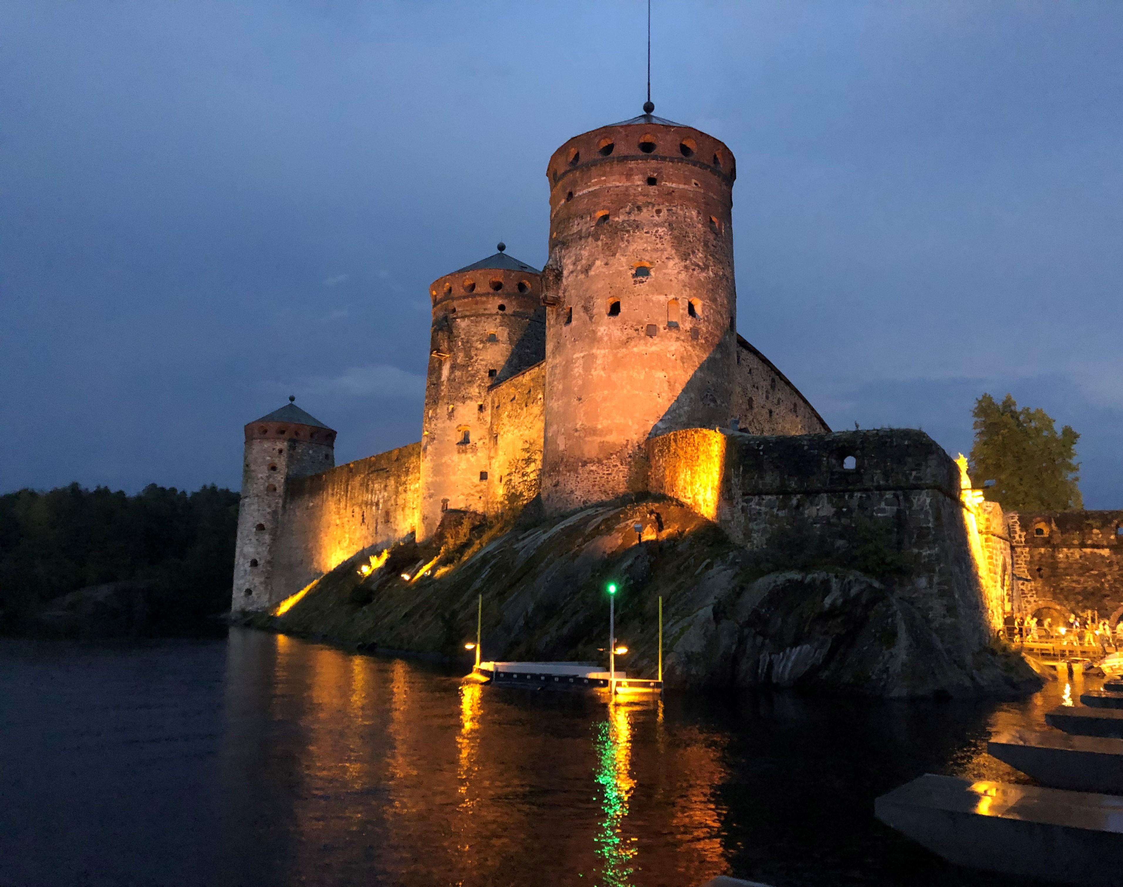 Oopperajuhlat ovat hyvä syy mennä joka kesä Savonlinnaan.