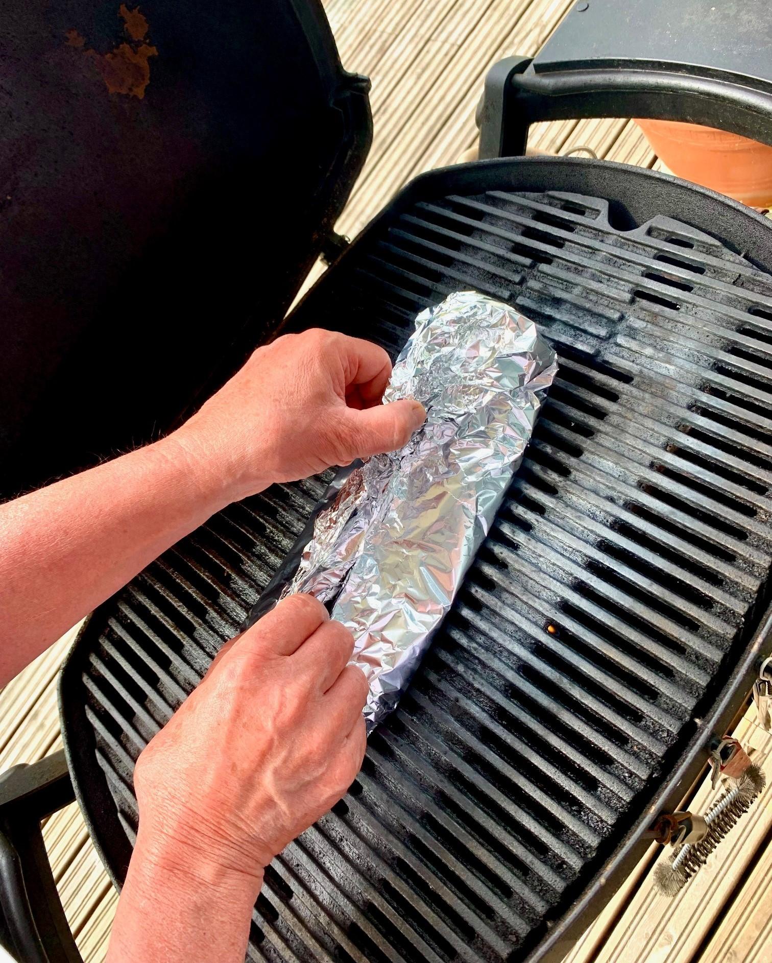 Itämainen grillilohi grillissä