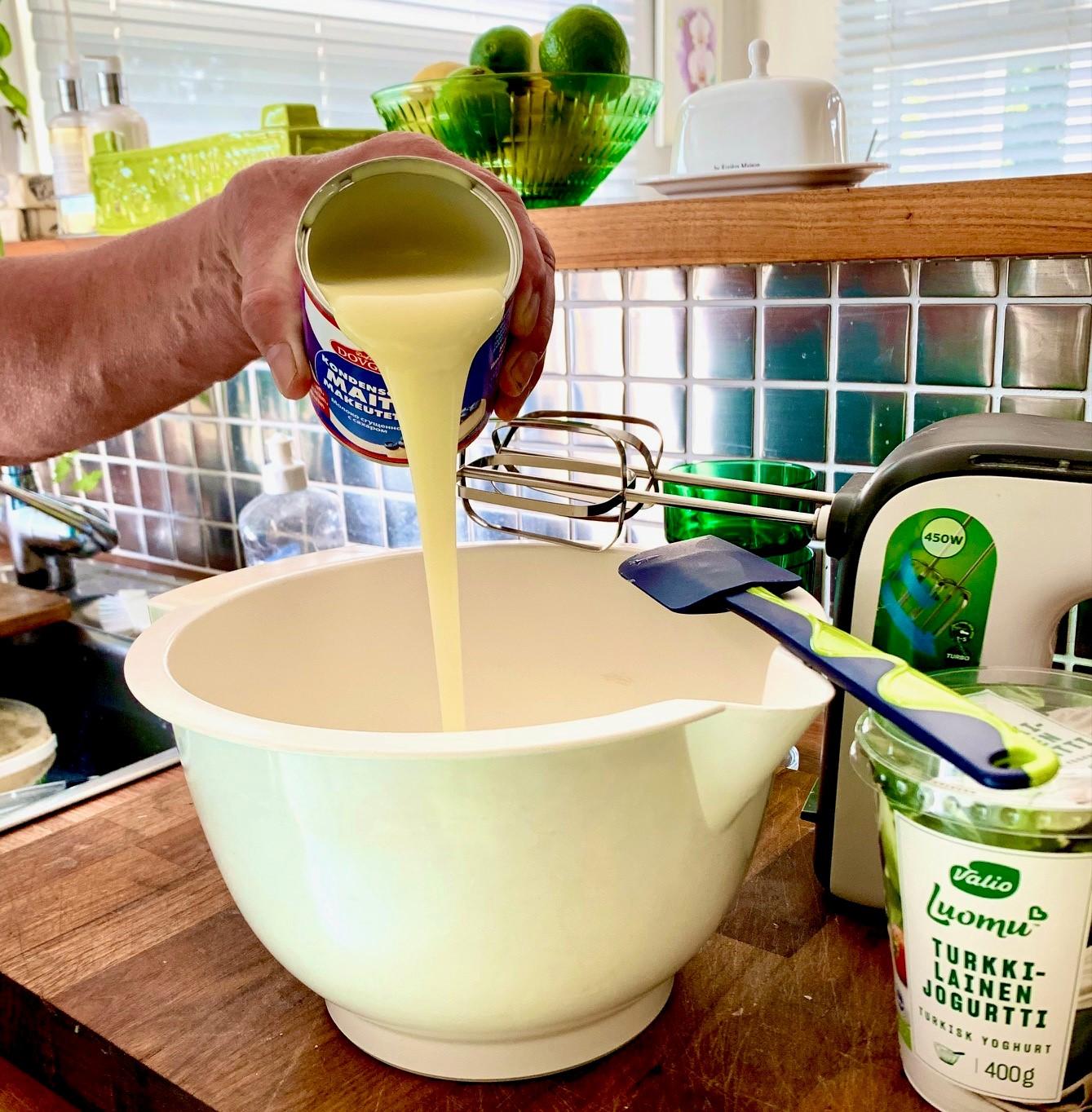tee itse jogurttijäätelö