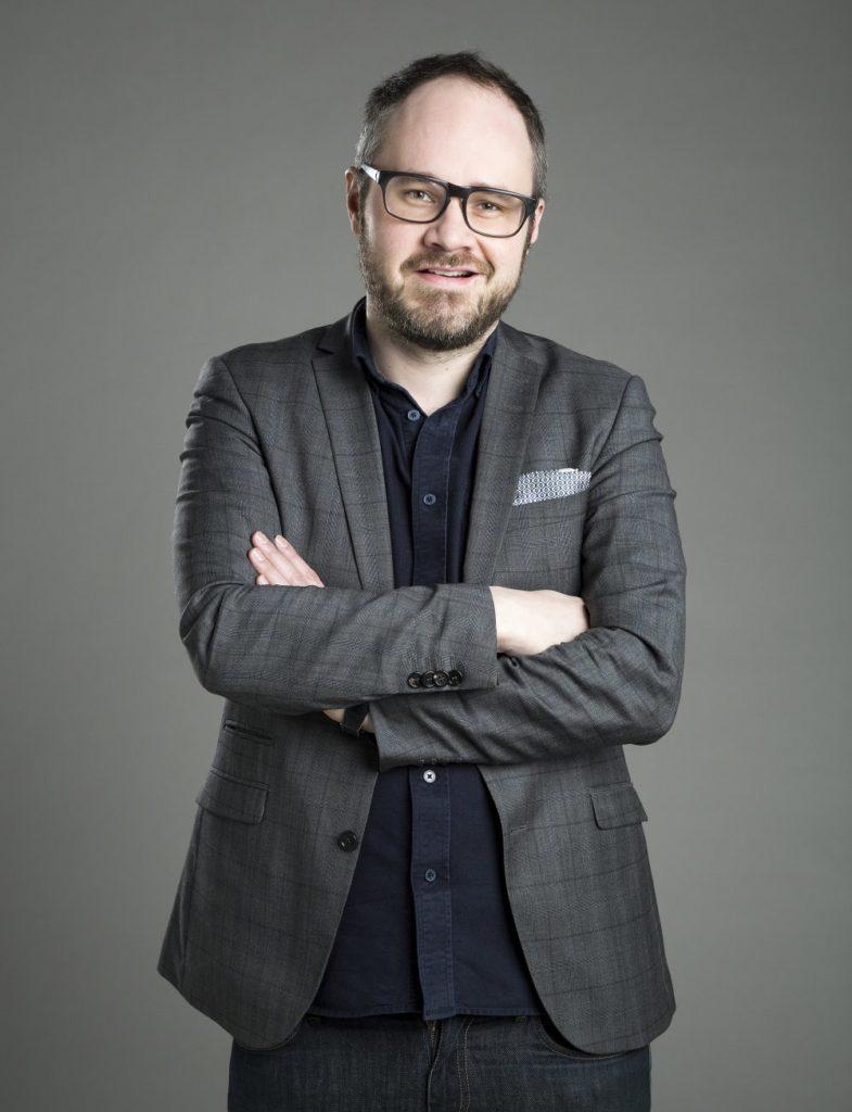 Tuomas Enbuske: Hampurin mielenosoitus on tosielämän Tinder