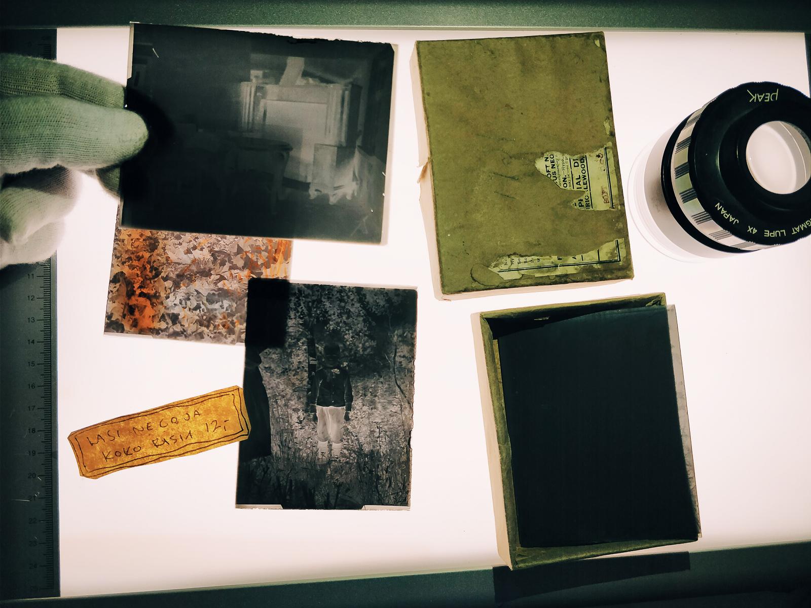 Vanhoja lasinegatiiveja