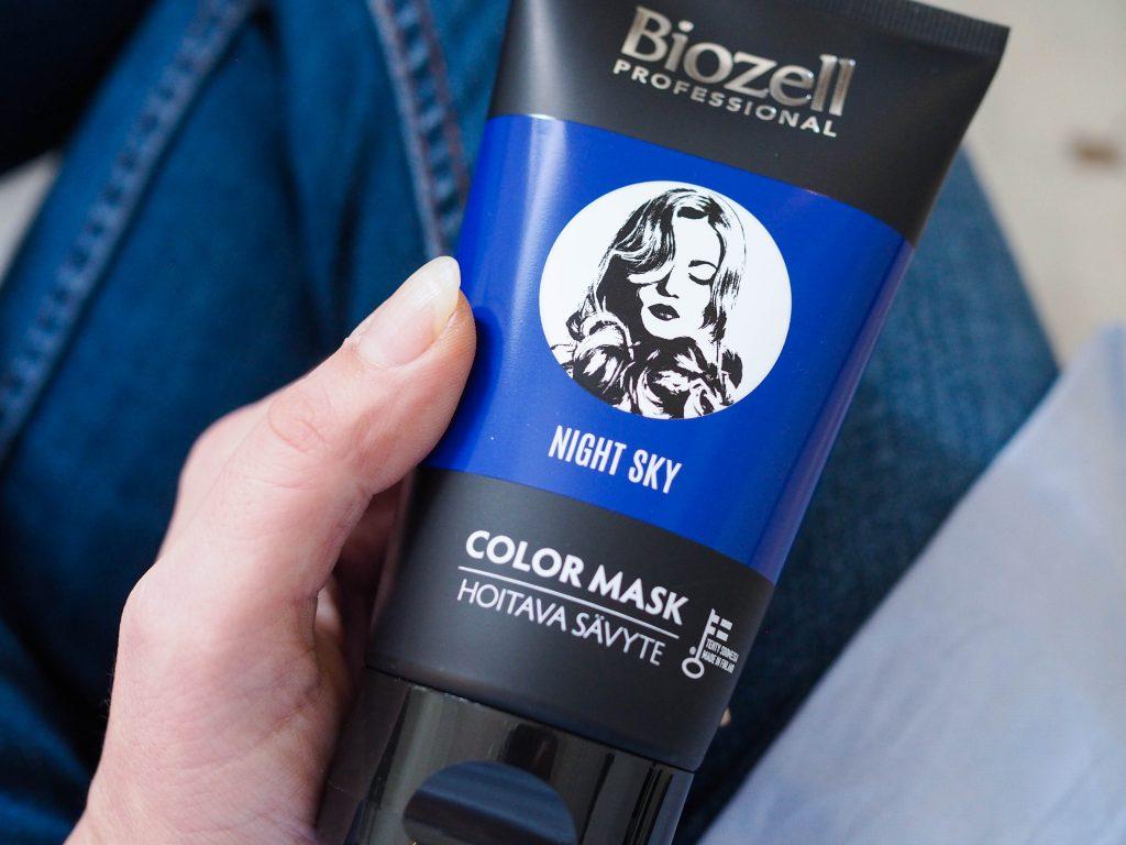 siniset hiukset