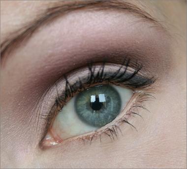 sinivihreät silmät