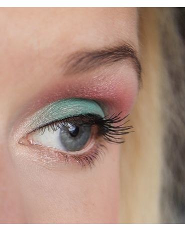 SleepingBeauty_eyemakeup_detail