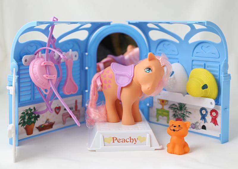 Peachy-poni – torstaipäivän ilon lähetti