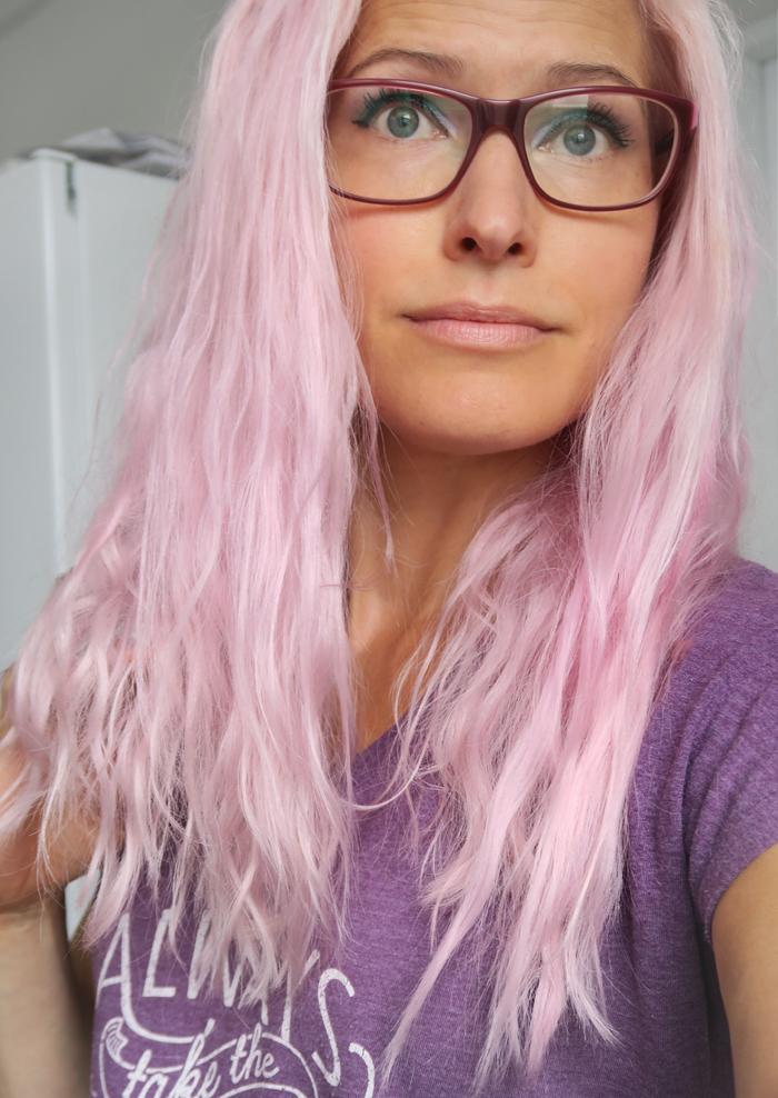 Pinkki tuli – kiharat meni