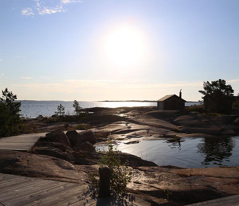 Virran keskellä – ajatuksia stressistä ja tunnelmia saarelta