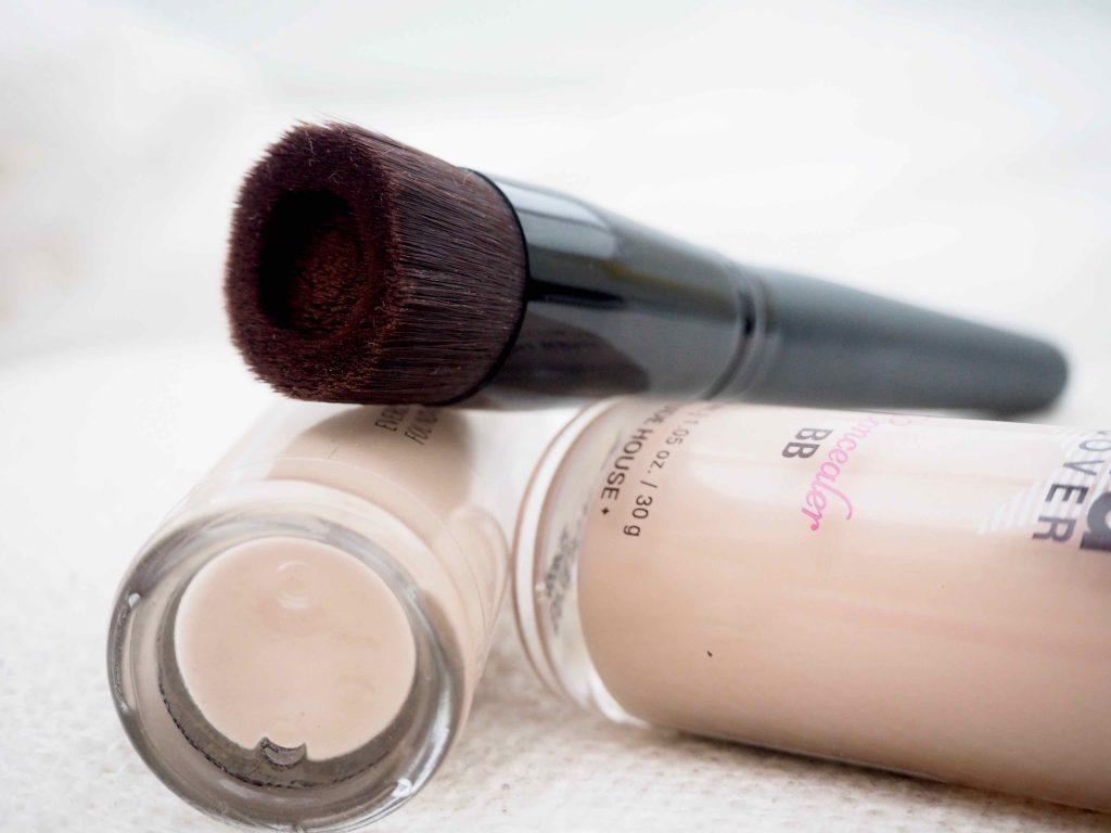 bareMinerals Perfecting face Foundation Brush meikkivoidesivellin
