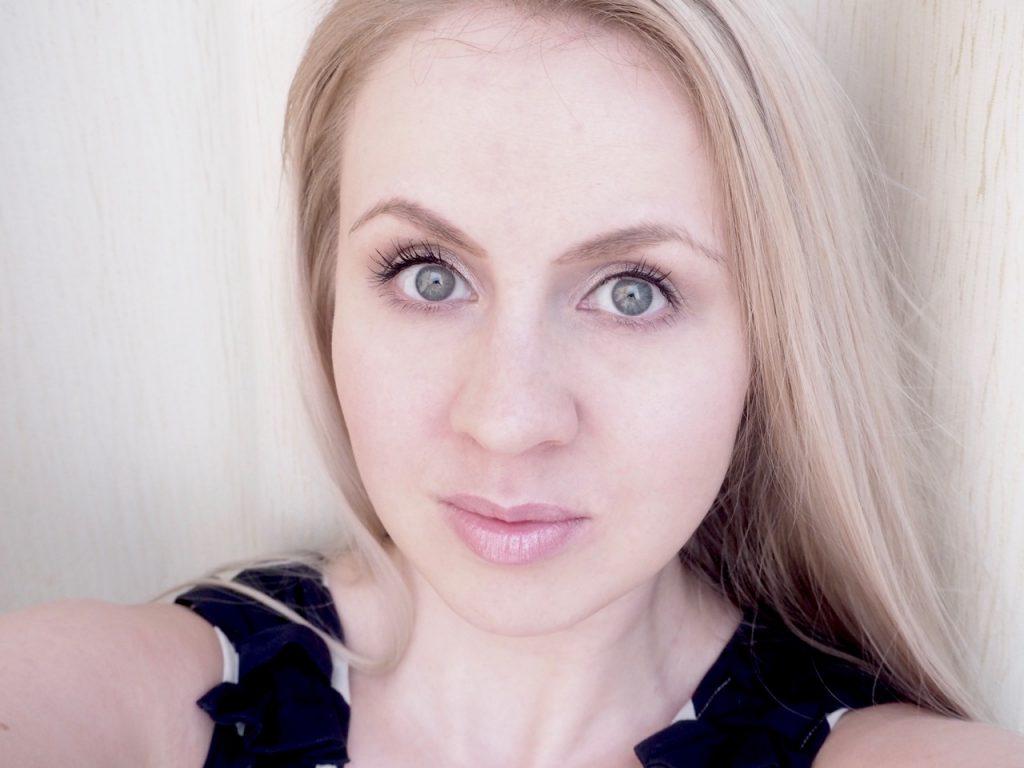 Laura Mercier Translucent Loose Setting Powder -irtopuuteri Ostolakossa Virve Vee kokemuksia