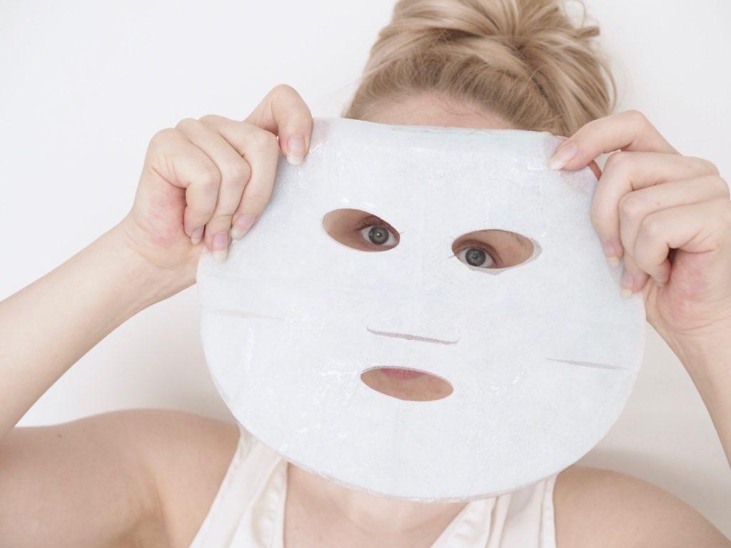 Ostolakossa Virve Vee Garnier Moisture Bomb Tissue Mask kangasnaamio kokemuksia
