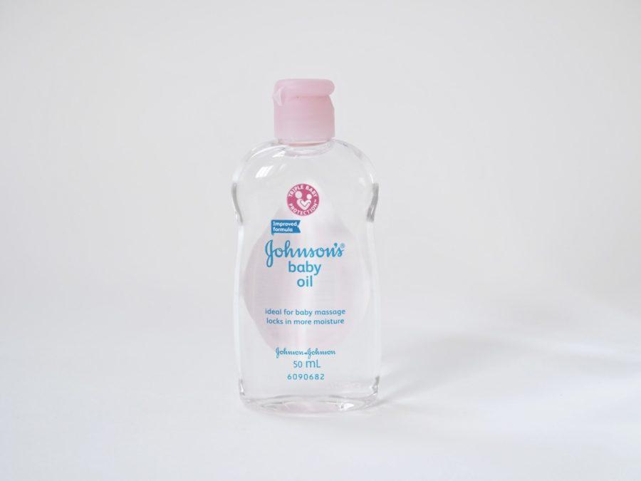 Meikin poistaminen vauvaöljyllä Ostolakossa