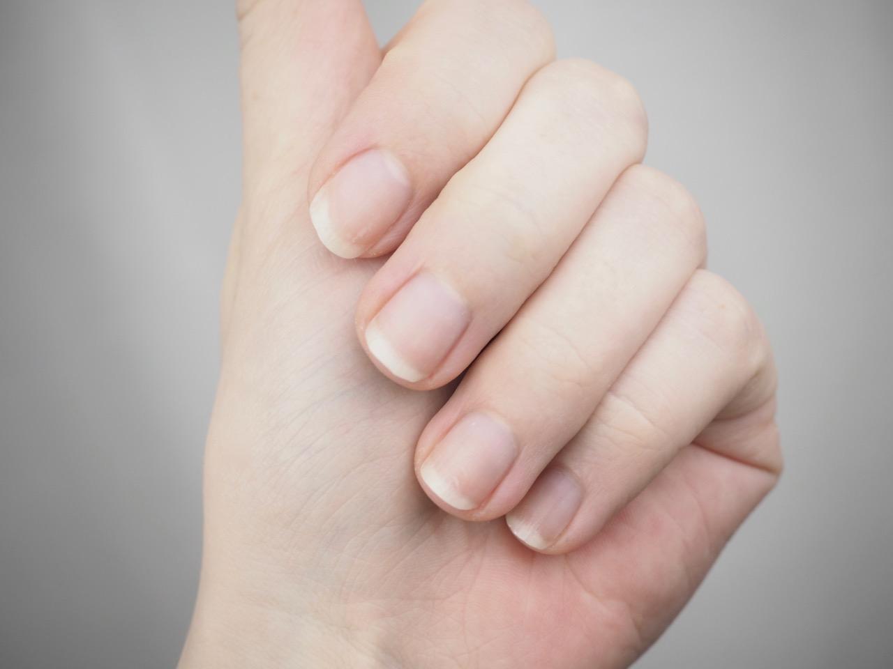 Essence Strong & Clean Nailpolish Remover kynsilakanpoistoaine kokemuksia Ostolakossa