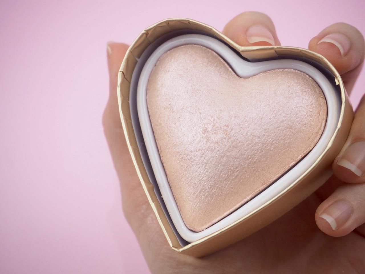 Ostolakossa Makeup Revolution meikkituotteet kokemuksia Ostolakossa Virve Vee