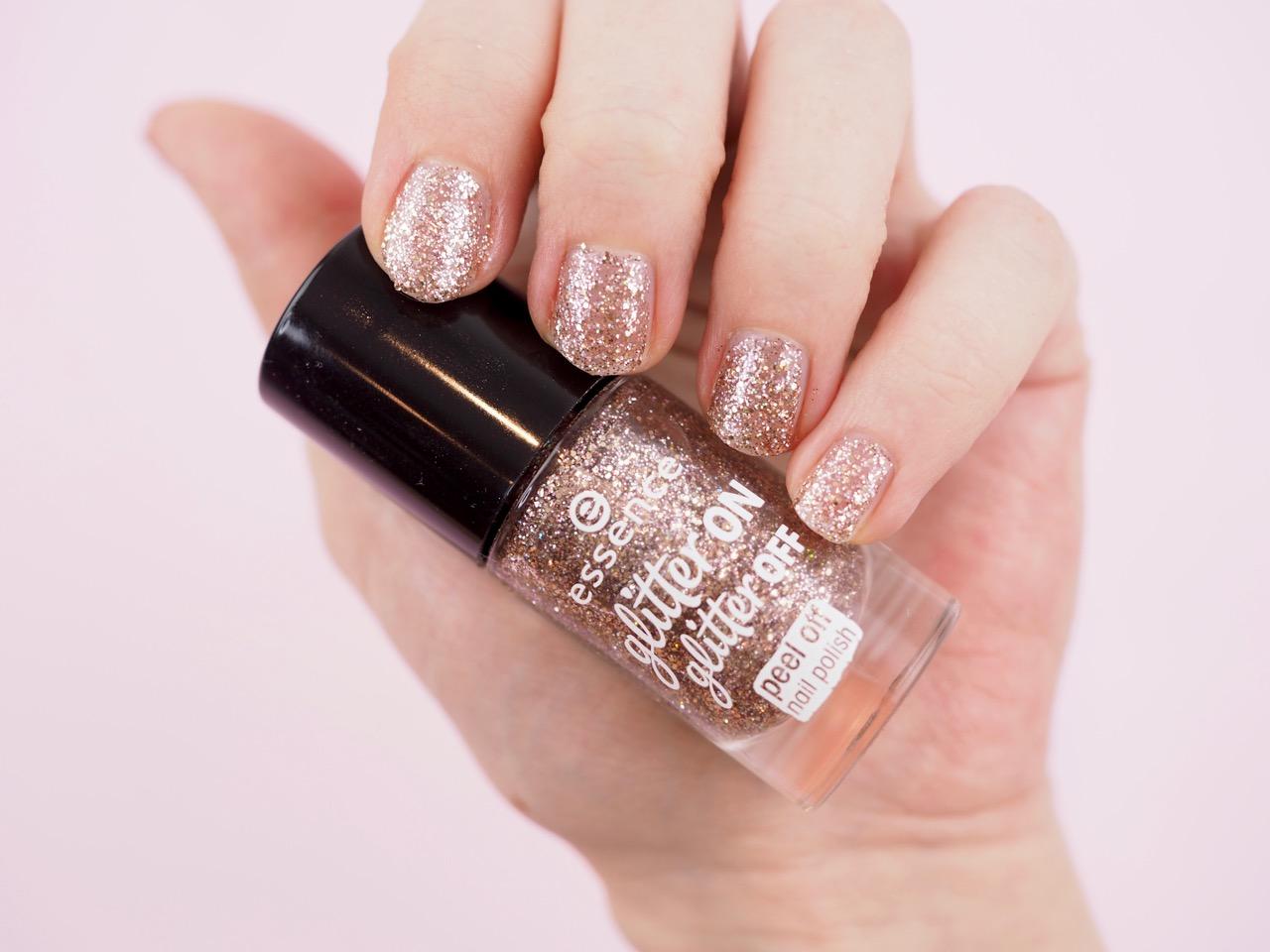 Essence Glitter on Glitter off peel off kynsilakka kokemuksia Ostolakossa virve vee