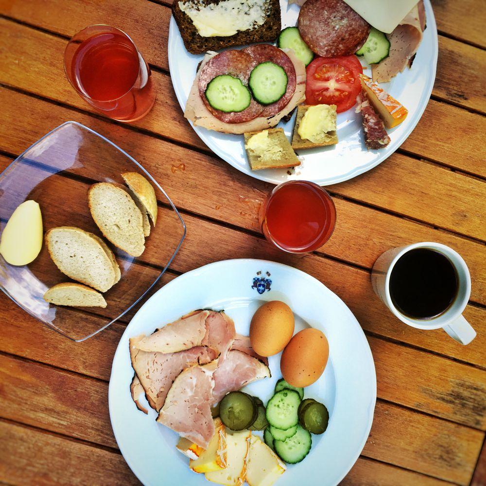 mustion-linna-aamiainen