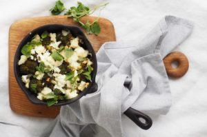 helppo ja herkullinen feta-parsakaalivuoka