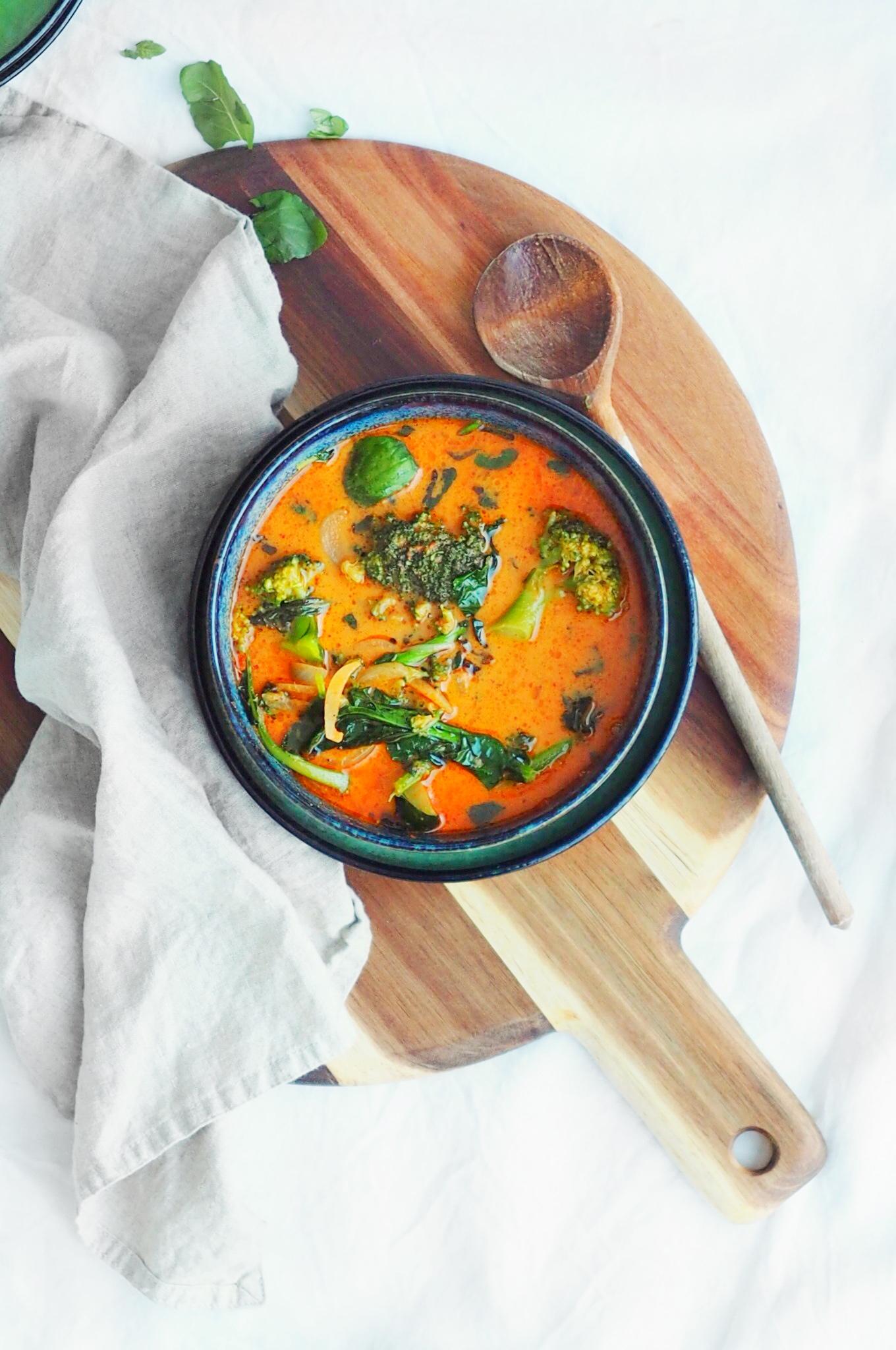 ketogeeninen puna curry Karita tykkä