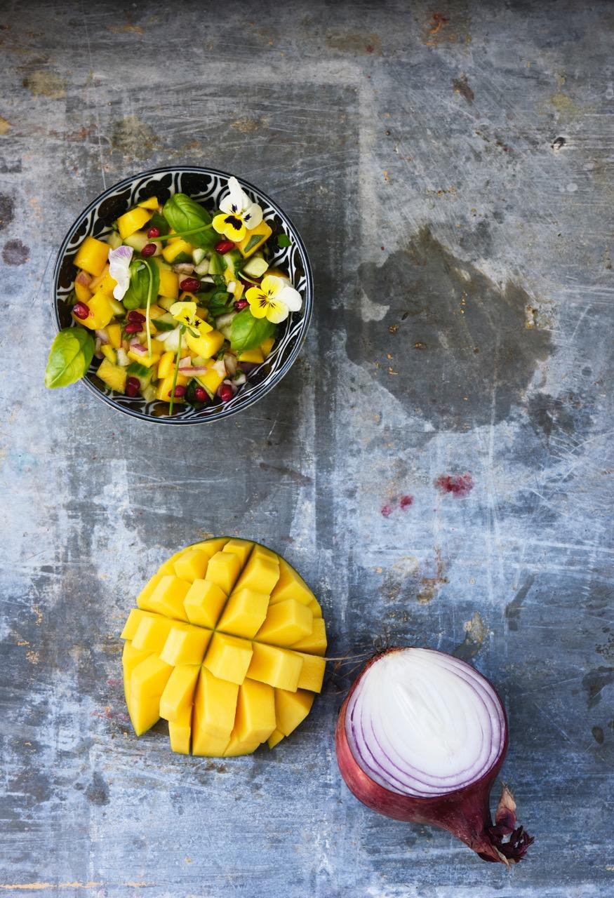 kurkku-mango salaatti Karita Tykkä
