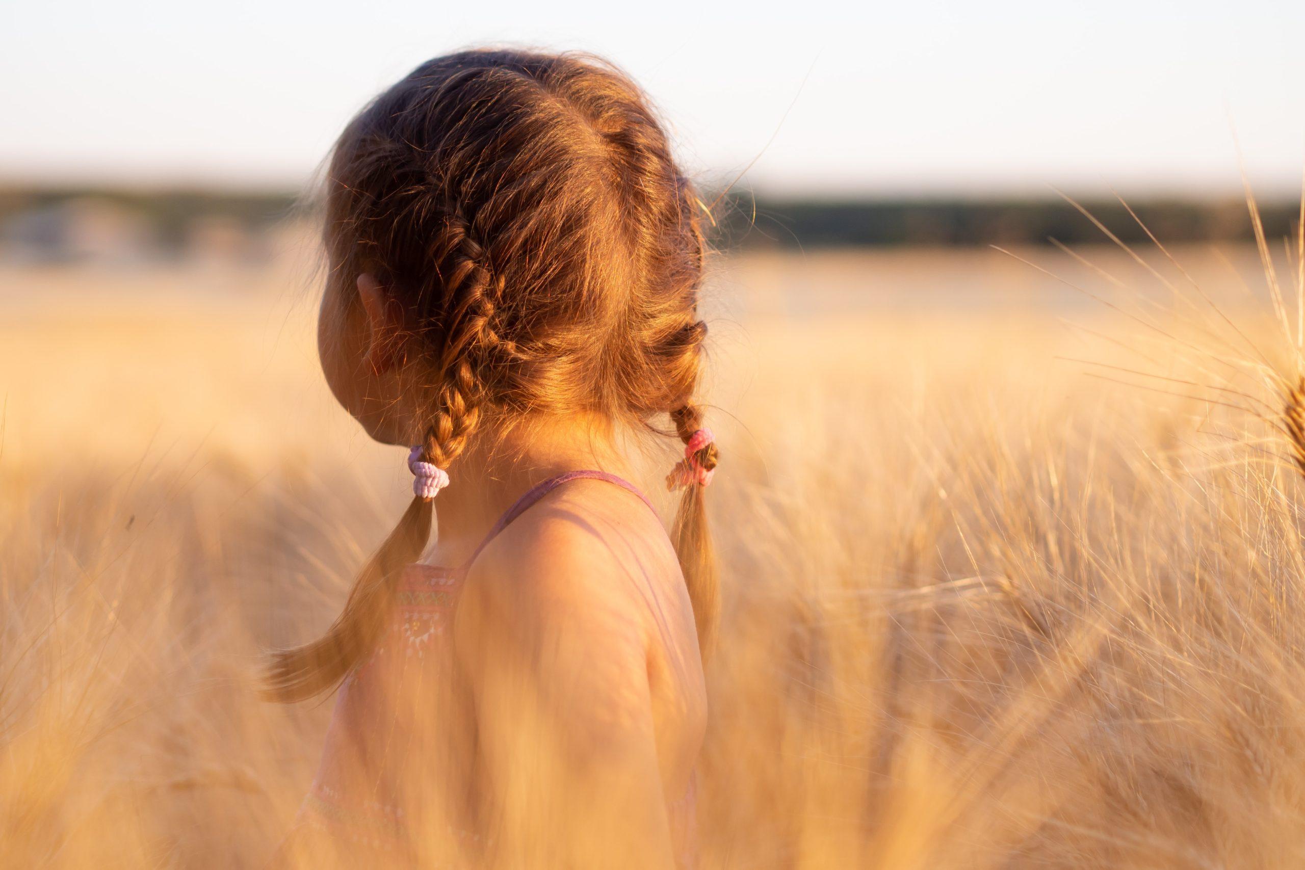 lapsuuden vaikutus aikuisuuteen