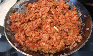 härkis-tomaattikastike