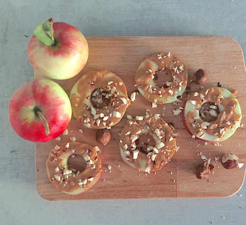 omenaa ja maapähkinävoita