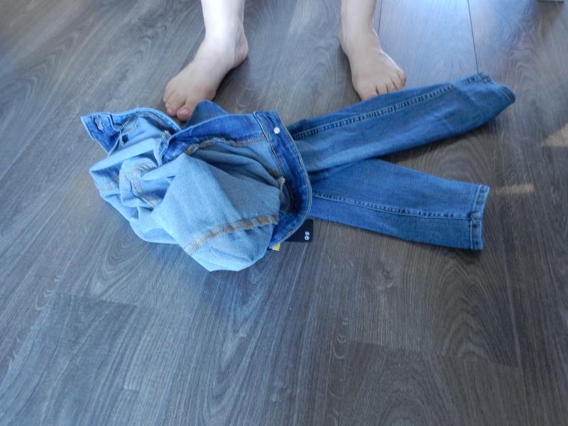 Farkut-pukeutuminen-sovitus-parasta-ennen-istuvat