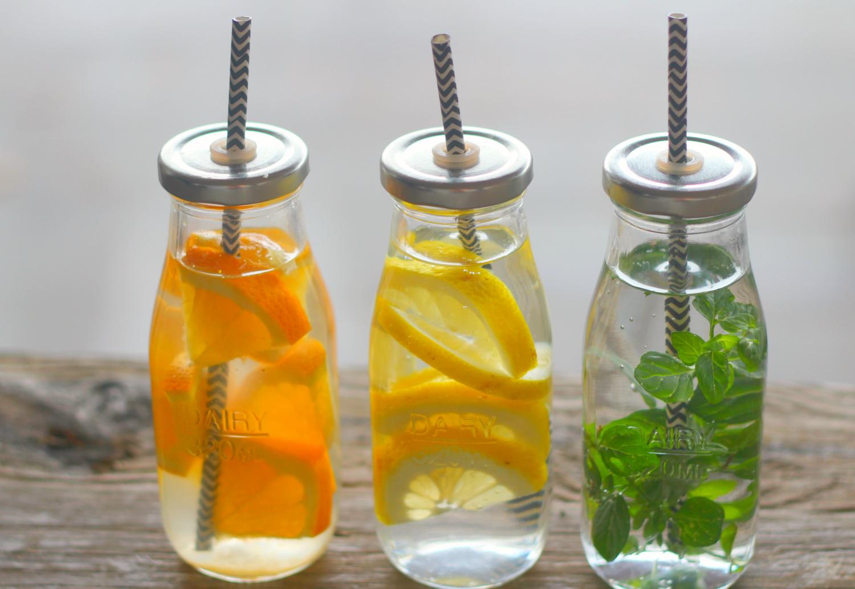 10 raikasta makuvesi-ideaa ilman haitallisia lisäaineita
