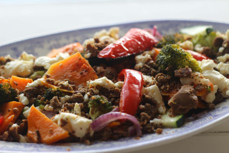 Paahdettu salaatti syksyn sadosta, Härkiksestä ja fetasta