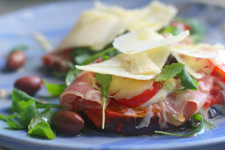 Munakoisopizza italialaisilla täytteillä