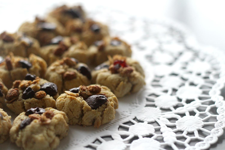 Terveelliset granola-suklaahippukeksit