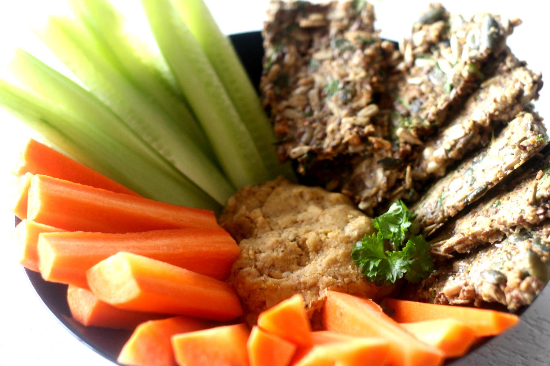 Hummus ja siemennäkkäri – ihana makupari ja iltaherkku