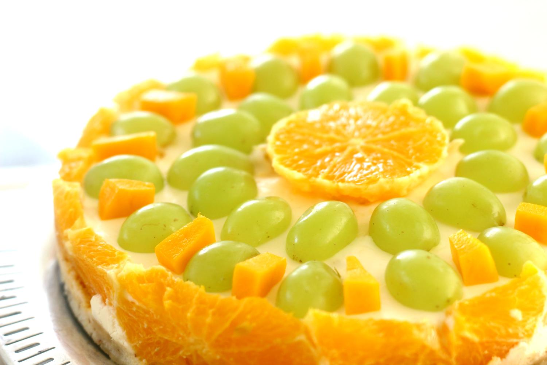 Aurinkoinen Hedelmä-Lotta juuustokakun tyyliin (sokeriton, gluteeniton)