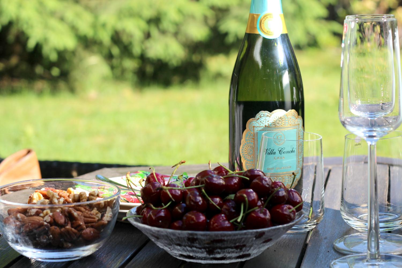 Vinkit raikkaaseen kesäillan naposteluun