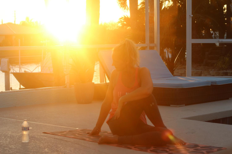 Trataka meditaatio vahvistaa väsyneitä silmiä ja auttaa keskittymään