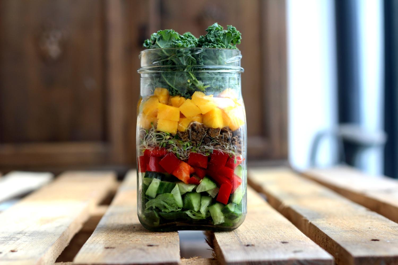 Nopea purkkisalaatti evääksi tai lounaaksi + herkullinen kastike