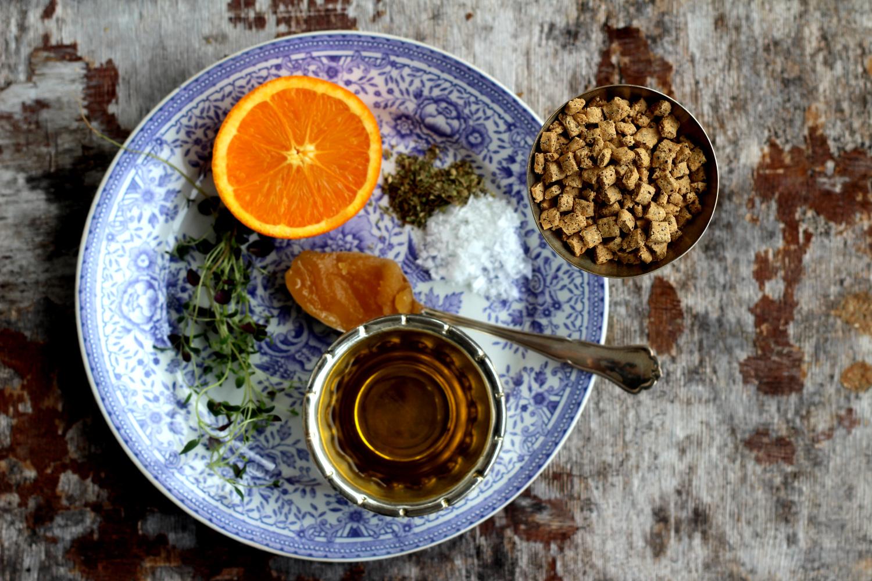 Appelsiinia ja raaka-aineita