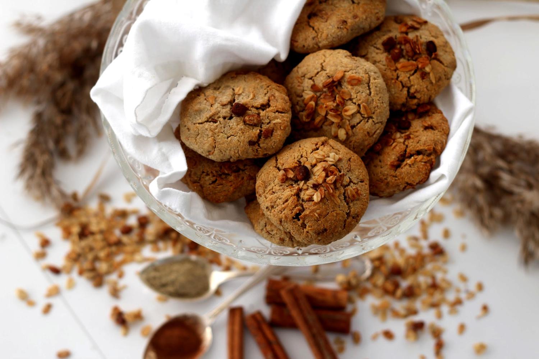 Mausteiset granolakeksit – joulun helpoin herkku