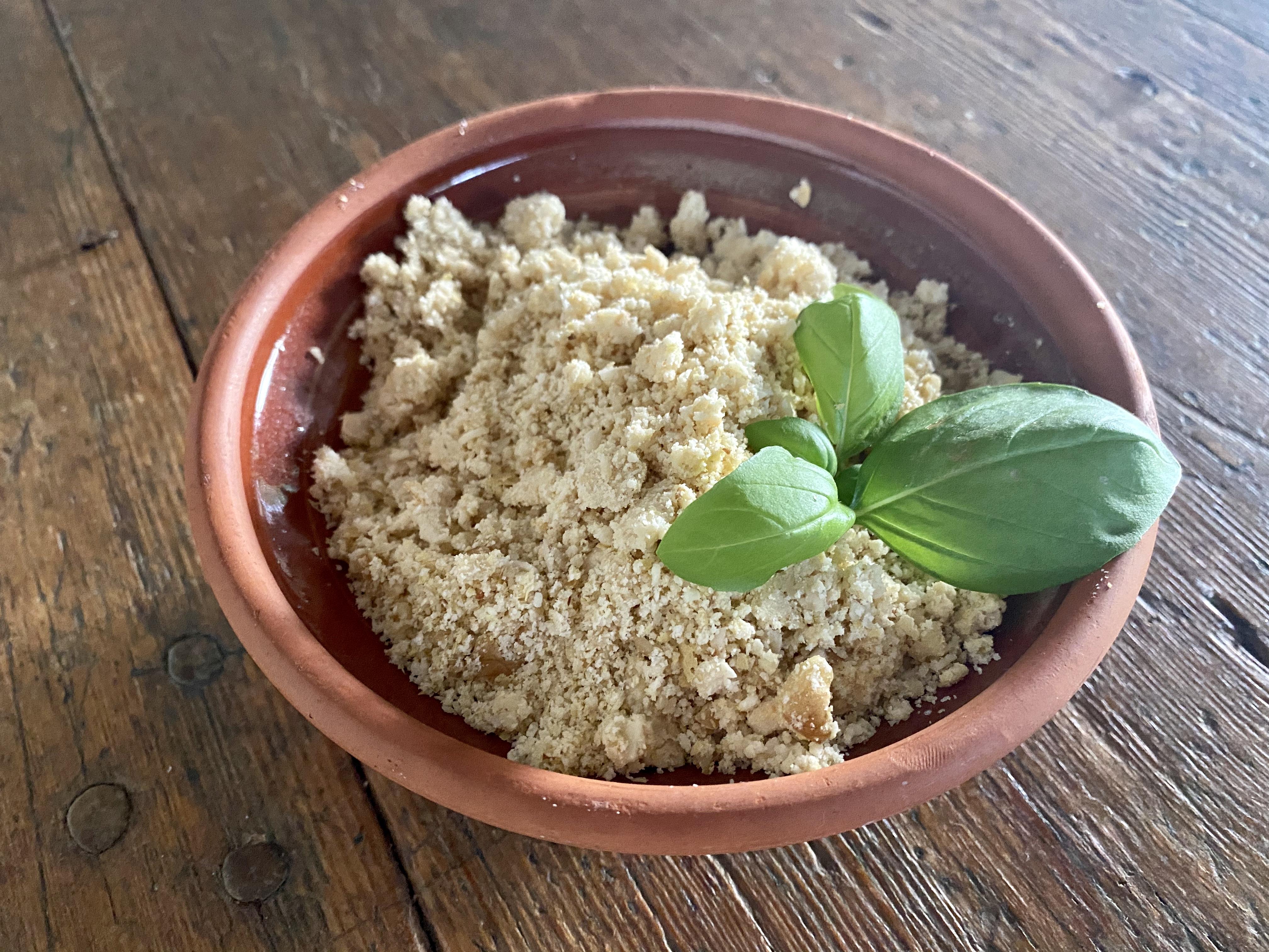 Vegaaninen pähkinäparmesaani